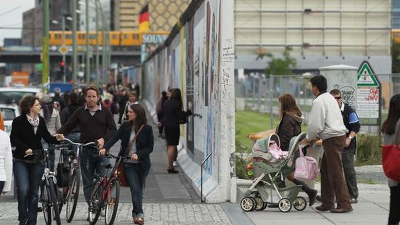Einheit, Berlin, East Side Gallery