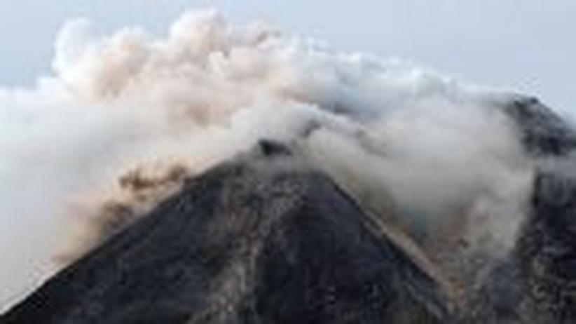 Fotostrecke: Merapi spuckt tödliche Asche