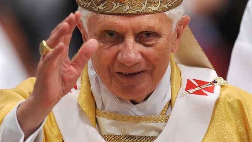 """""""In begruendeten Einzelfaellen"""" sei die Benutzung von Kondomen erlaubt, so der Papst."""