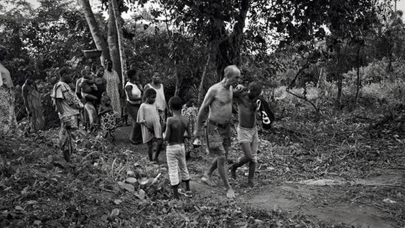 Aussteiger in Afrika: Louis Sarno wurde von den Pygmäen aufgenommen und hütet ihre Kinder
