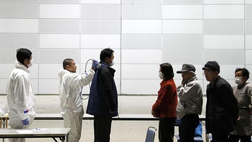 Atomkrise in Japan: Immer wieder Rauch über dem AKW Fukushima-1