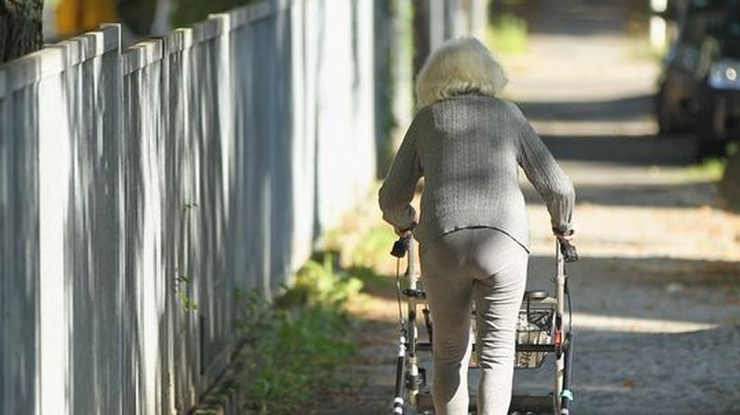 Eine alte Frau in Berlin