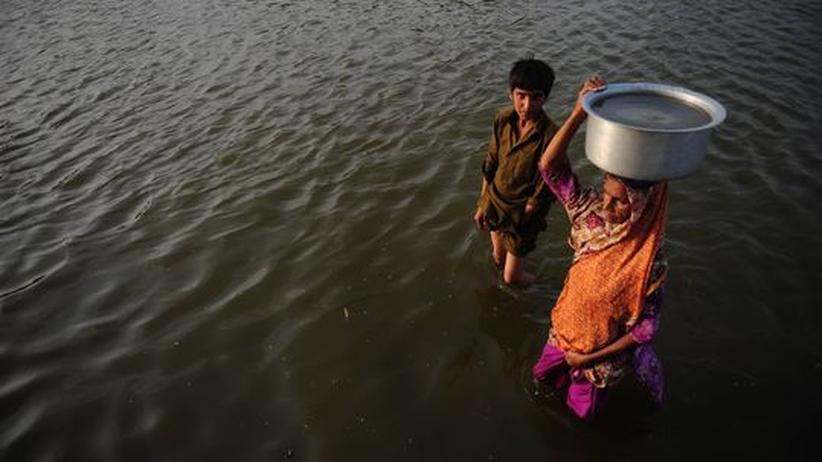Naturkatastrophe: Der Süden Pakistans steht unter Wasser