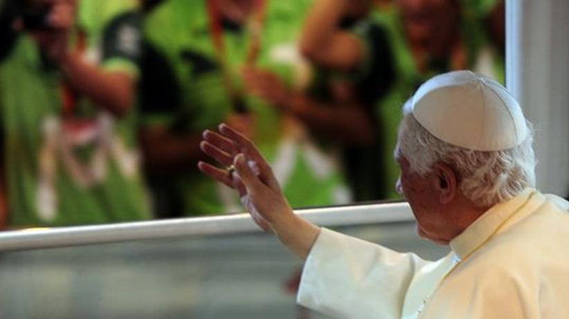 Katholizismus: Papst Benedikt XVI. verabschiedet sich von Freiwilligen nach dem Weltjugendtag in Madrid.