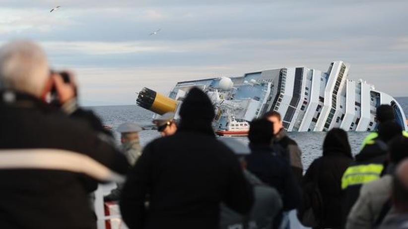 Costa Concordia: Rettungsarbeiten am Kreuzfahrtschiff unterbrochen