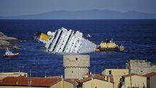 "Das havarierte Kreuzfahrtschiff ""Costa Concordia"" im Januar"