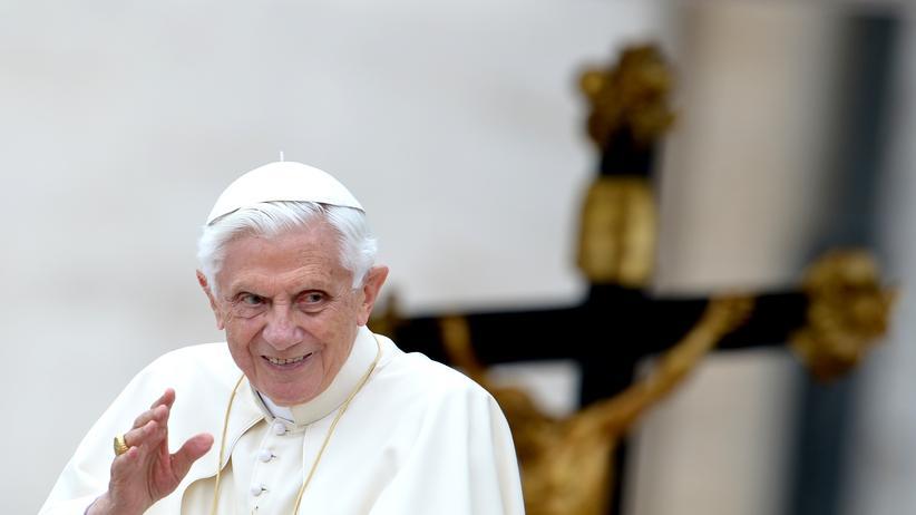 Katholische Kirche: In Glaubensfragen ist der Papst Absolutist