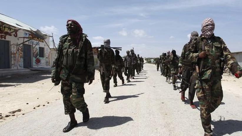 Konvertiten: Al-Shabaab Milizen in Somalia. Die kenianische Polizei bringt Andy M. mit der Gruppe in Verbindung.