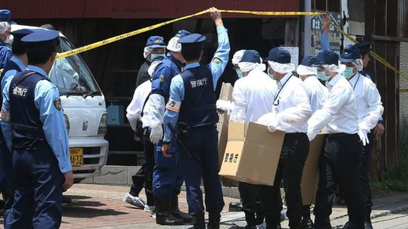 U-Bahn-Anschlag: Tokioter Polizei fasst Sektenmitglied nach 17 Jahren