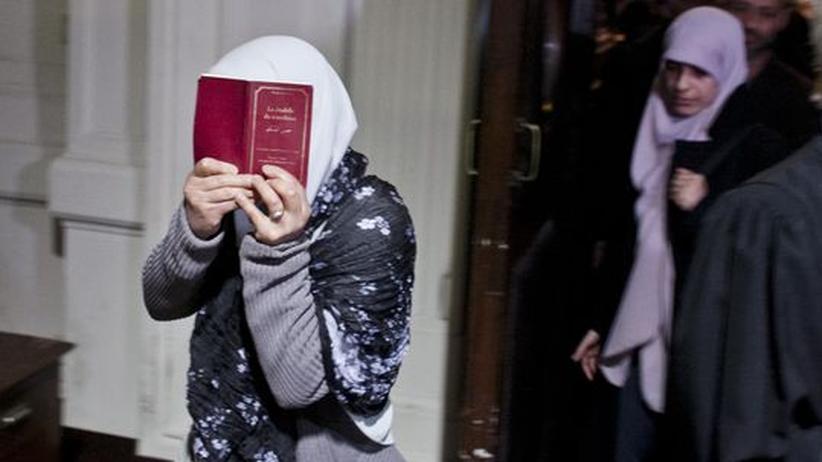 Gerichtsurteil: Mehrjährige Haftstrafen im belgischen Exorzismus-Prozess