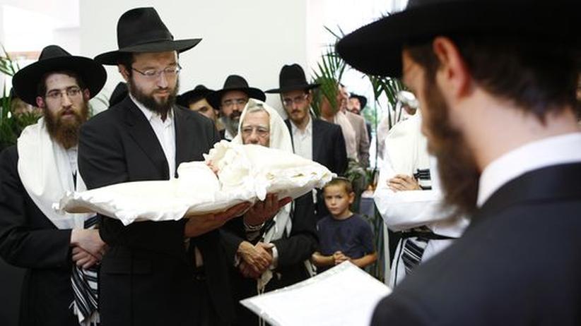 Ritus: Wie eine jüdische Familie mit dem Beschneidungsurteil umgeht