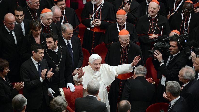 VatiLeaks: Wer auf den Papst zielt, trifft die Kirche