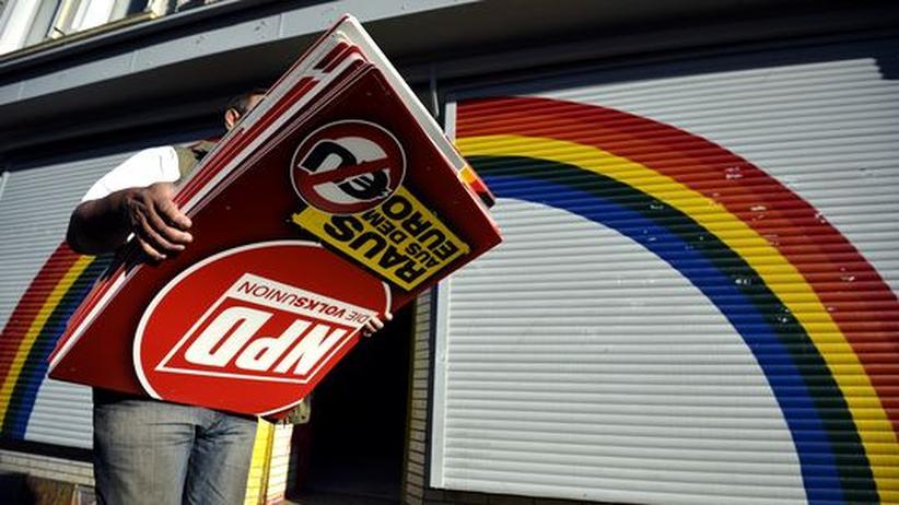 NRW: 900 Polizisten durchsuchen Neonazi-Quartiere nach Waffen