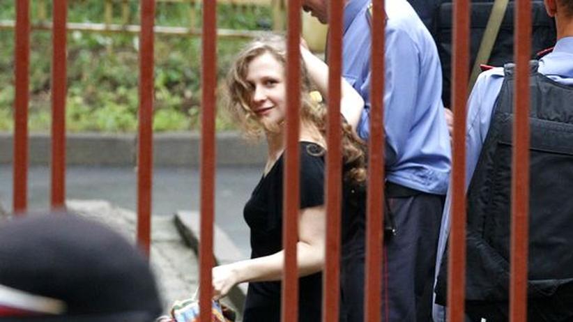 Haftbedingungen: Pussy Riot büßen im Straflager