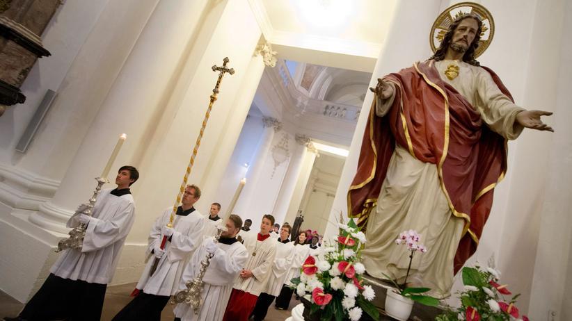 Grundsatzurteil: Keine Kirchenmitgliedschaft ohne Steuer