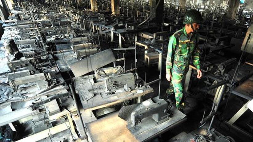 Brand in Textilfabrik: Tödliche Kleidung