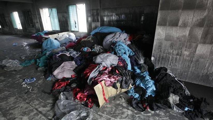 Bangladesch: Sabotage soll Ursache für Brand in Textilfabrik sein
