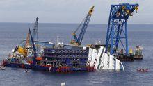 """Bergungsarbeiten am Wrack der """"Costa Concordia"""""""