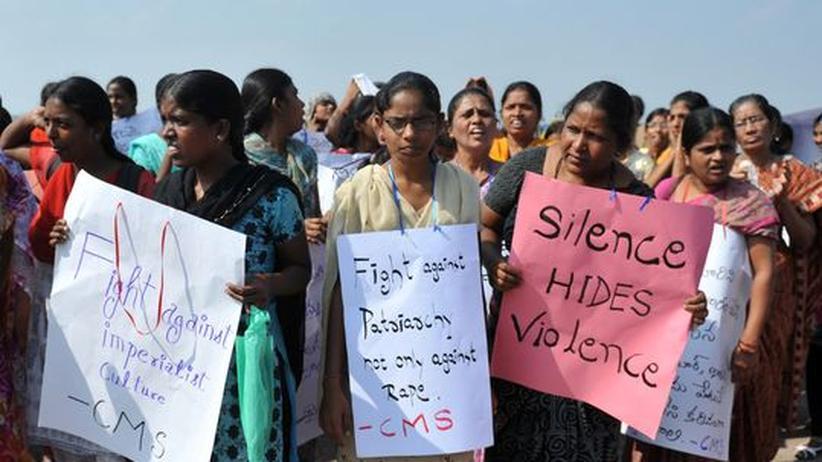 Indien : Freund der vergewaltigten Studentin erhebt schwere Vorwürfe