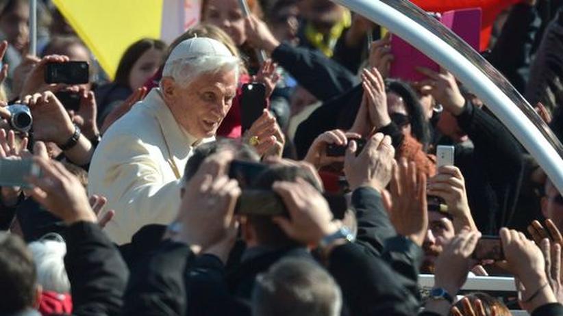 """Abschiedsrede: Papst Benedikt plant keine """"Rückkehr ins Private"""""""