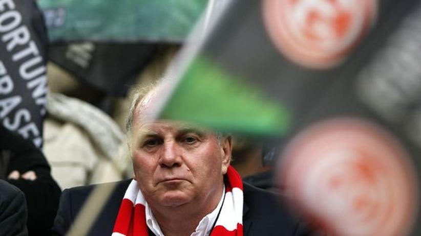Präsident FC Bayern: Adidas-Chef soll Hoeneß 20 Millionen Mark gegeben haben