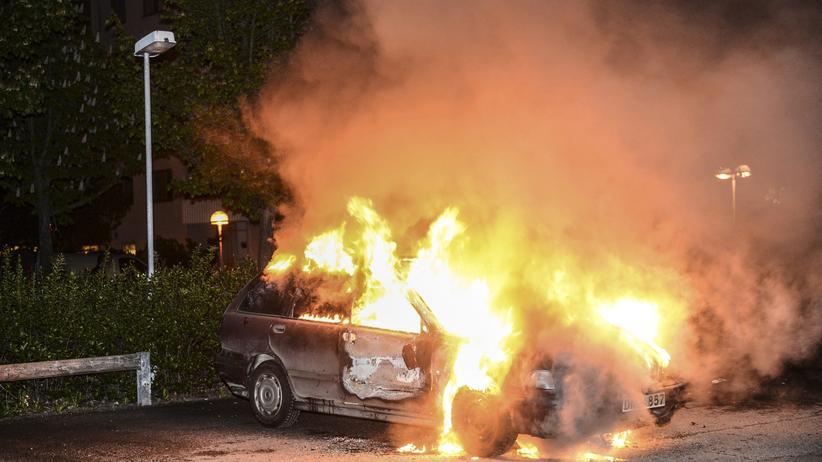 Schweiz: Utopia brennt: Unruhen im Stockholmer Vorort Kista am 21. Mai 2013