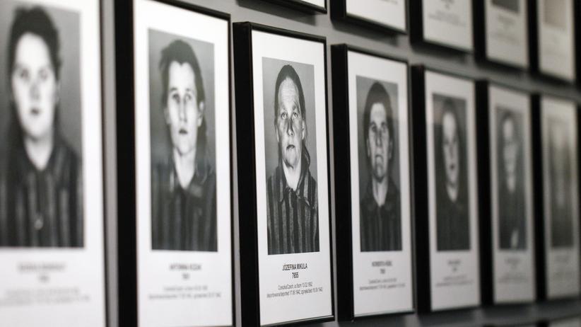 Holocaust: Bilder in einer früheren Baracke im Konzentrationslager Auschwitz