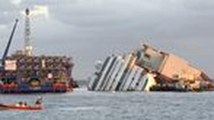 """Italien: Probleme zu Beginn der Bergung der """"Costa Concordia"""""""