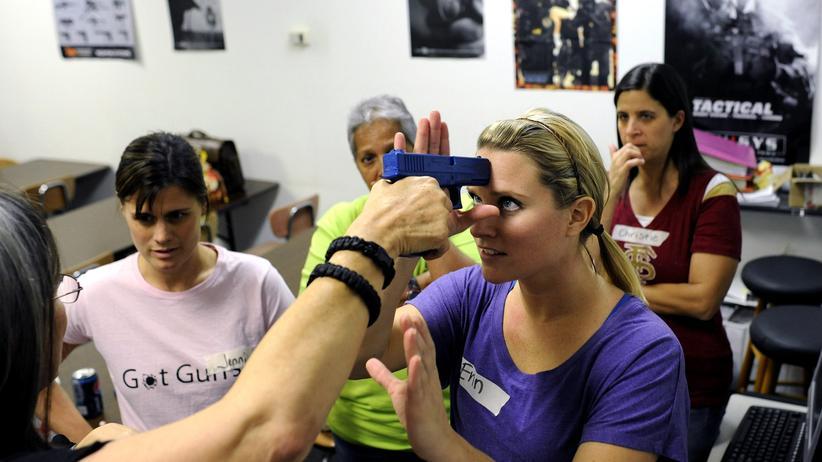 Lehrer beim Verteidigungs-Training in Florida