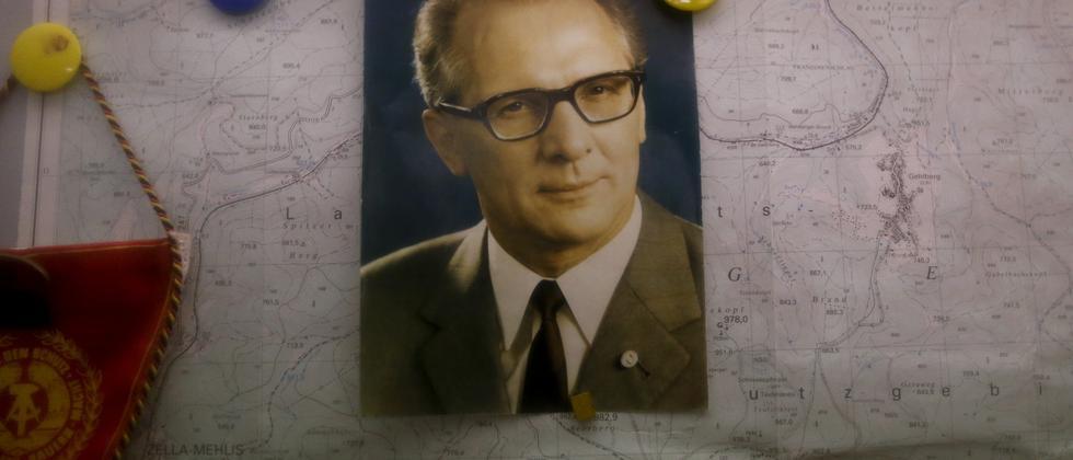 Ein Bild von Erich Honecker im Bunker-Museum in Rennsteighöhe
