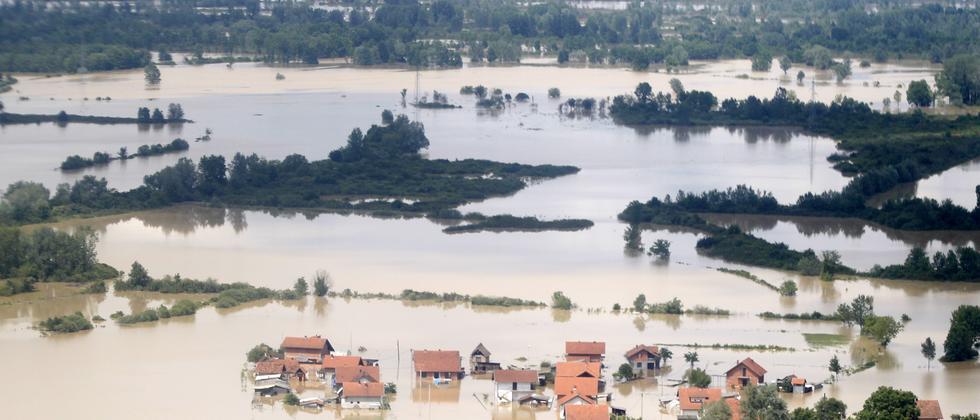 Die Ortschaft Orašje in Bosnien-Herzegowina steht unter Wasser.