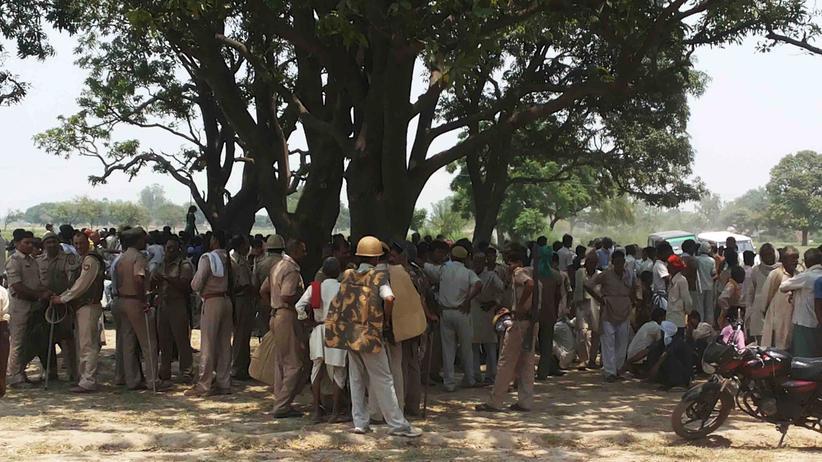 Indien: Indische Polizei nimmt Tatverdächtige nach Vergewaltigung fest
