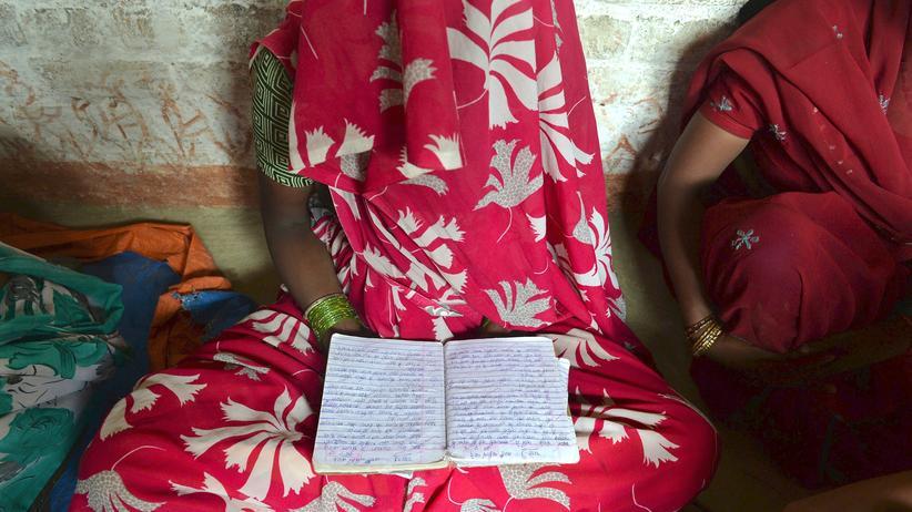 Sexuelle Gewalt: Die Mutter eines der Mädchen, die im Mai in Uttar Pradesh vergewaltigt und getötet worden waren