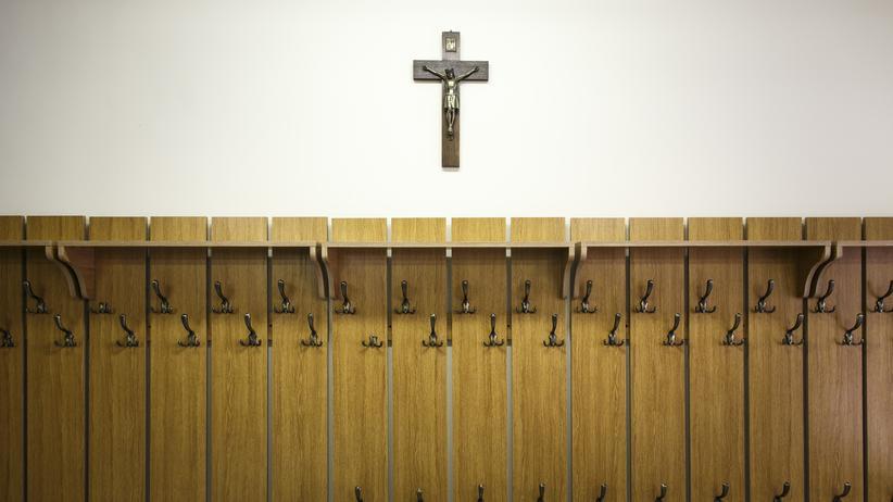 Einmal in der Woche Gottesdienst gilt an Brandenburgs christlichen Schulen schon als strenges Profil.