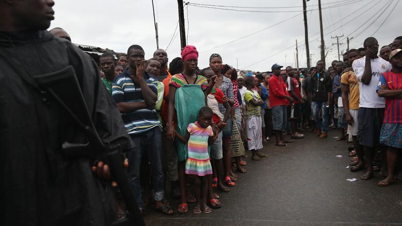 Ebola in Liberia: Die Menschen in West Point dürfen ihr Viertel nicht verlassen.