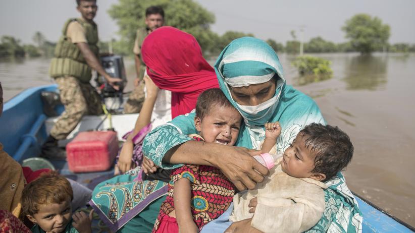 Überschwemmungen: Millionen flüchten vor Fluten in Indien und Pakistan