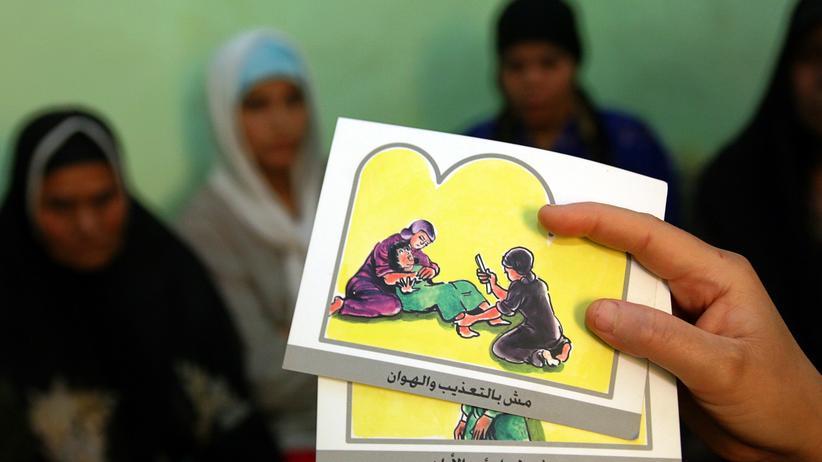 Beschneidung in Ägypten: Aufklärungsbroschüre für Ägypterinnen (Archiv)