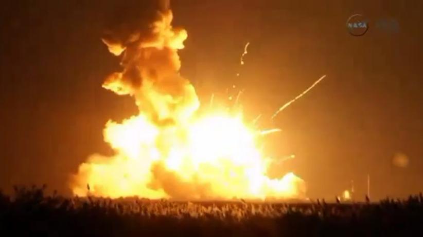 """Die """"Antares""""-Rakete explodiert wenige Sekunden nach dem Start."""