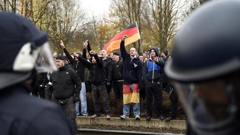 Berlin Marzahn Nazi-Demo Flüchtlingsheim