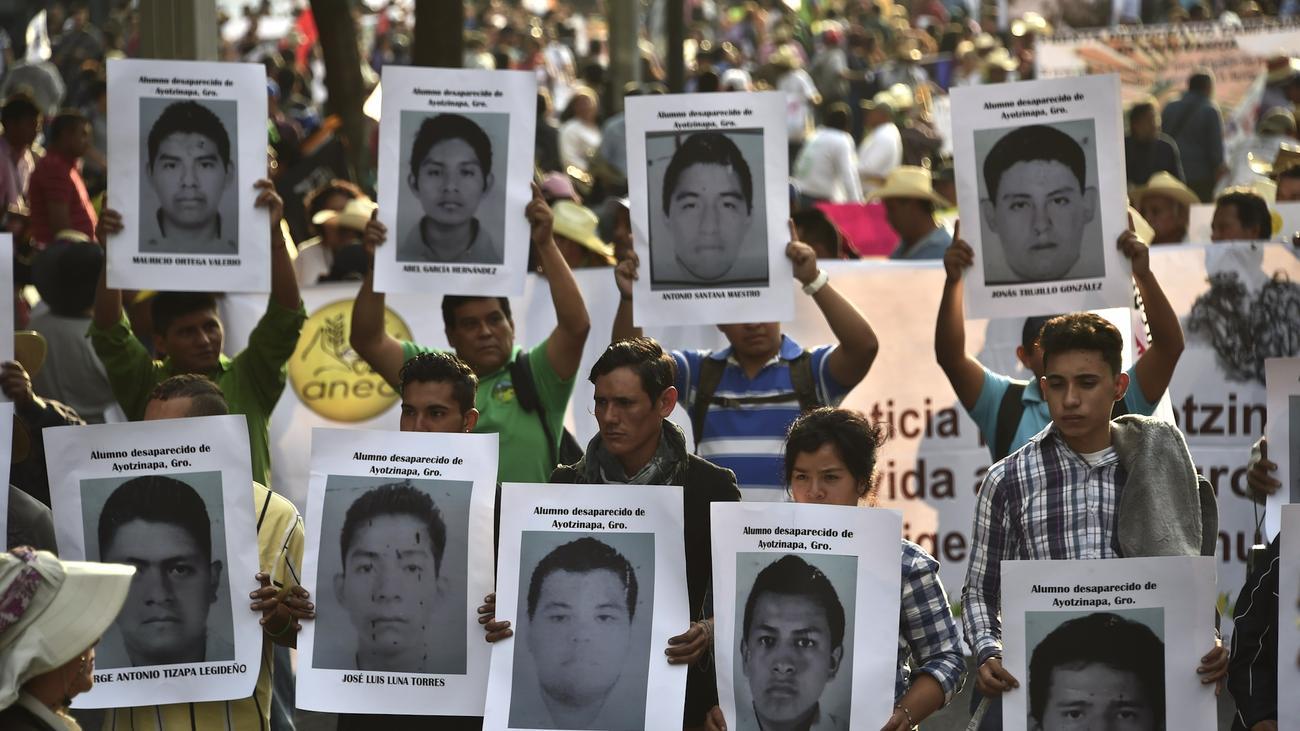 mexiko erster von 43 vermissten studenten identifiziert. Black Bedroom Furniture Sets. Home Design Ideas