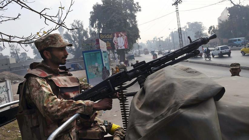 Peshawar: Polizei tötet mutmaßlichen Drahtzieher des Schulmassakers