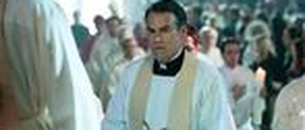 Priesterweihe: Sebastian Blomberg als Jakob Völz