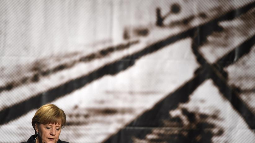 Angela Merkel: Bundeskanzlerin Angela Merkel bei der Gedenkfeier in Berlin