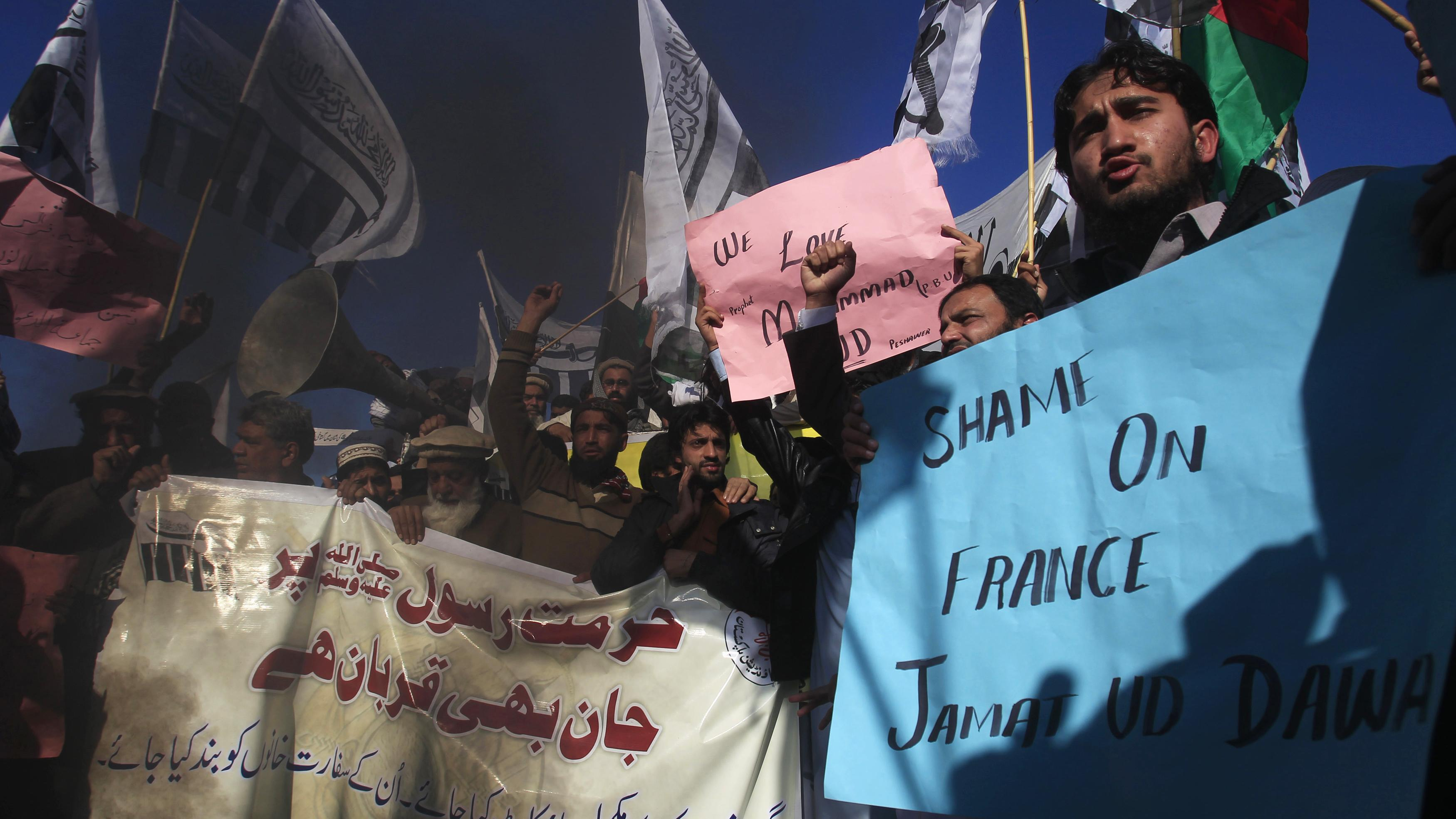 """In islamischen Ländern protestieren Tausende gegen """"Charlie Hebdo"""""""