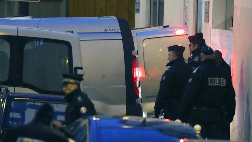 """Charlie Hebdo"": Polizisten am Tatort"