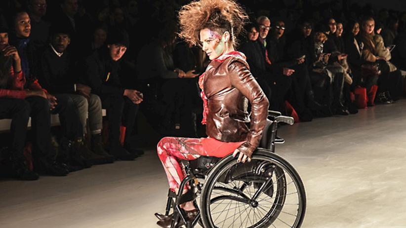 New York Fashion Week: Im Rollstuhl auf den Laufsteg