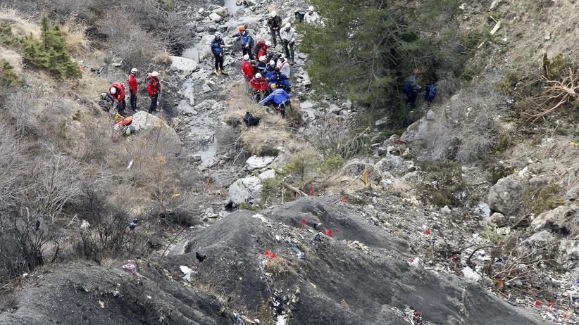 Germanwings-Unglück: Rettungskräfte sind an die Absturzstelle in den französischen Alpen gelangt.