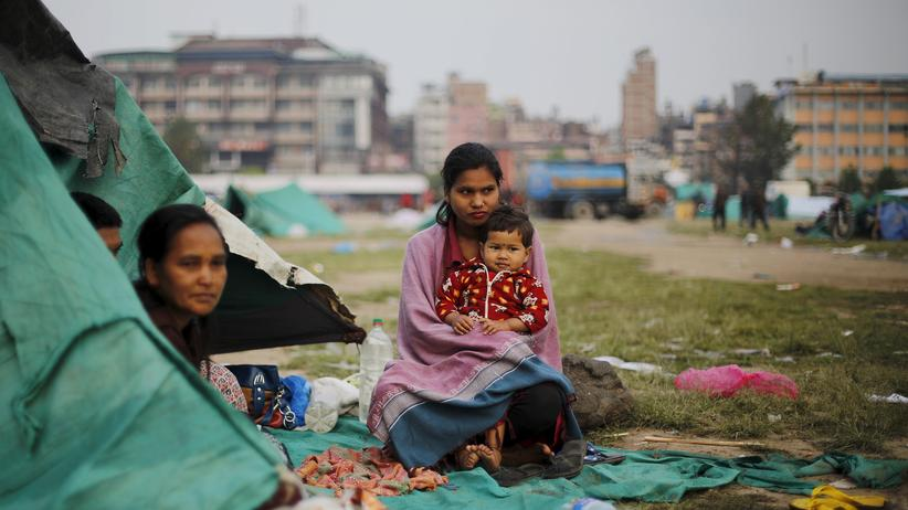 Nepal: Ein Zelt dient als provisorische Unterkunft für eine Familie in Kathmandu.