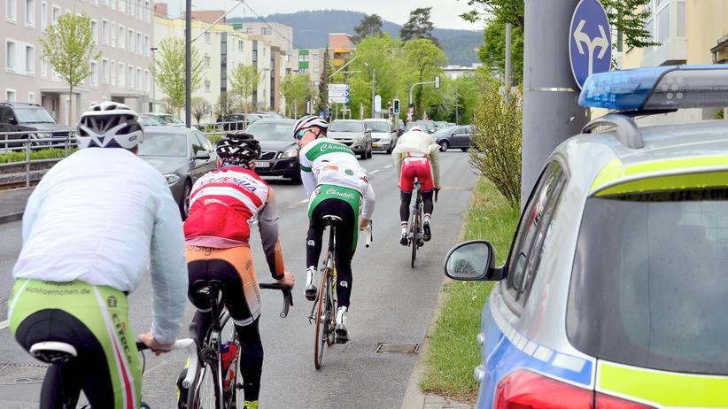 Terrorverdacht in Hessen: Polizei in Hessen sagt Radrennen trotz Festnahme ab
