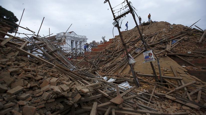 Himalaya-Erdbeben: Nepal erwacht im Chaos